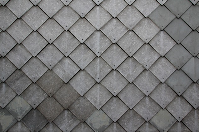 How to Replace Shingles On a Roof